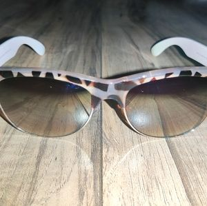 American Eagle Outfitters Brown Polarized With Des